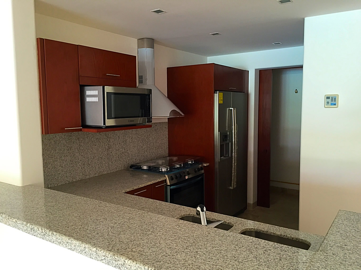 Barra cocina integral Condominio Isla Palmares en el Campo de Golf ...