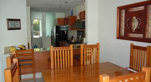 Comedor y cocina Villa Green Canal en Nuevo Vallarta