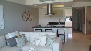 Sala y cocina Desarrollo Península en Nuevo Vallarta